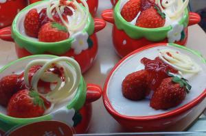 つぶつぶ苺のミルクプリン