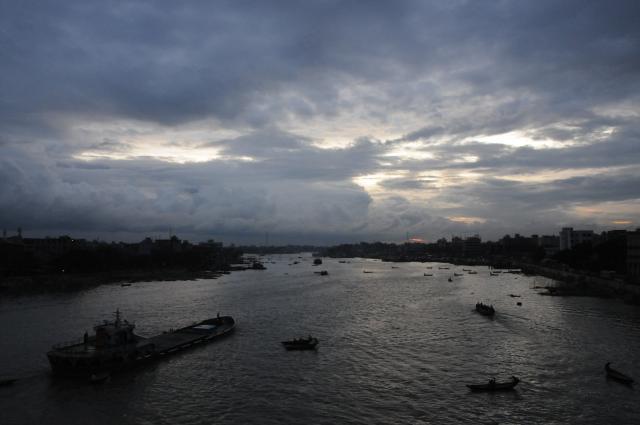 ブリゴンガ川の夕暮れ