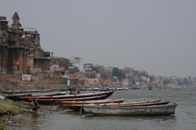 ガンガーのガートとボート