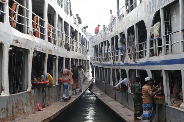 ショドルガットの船