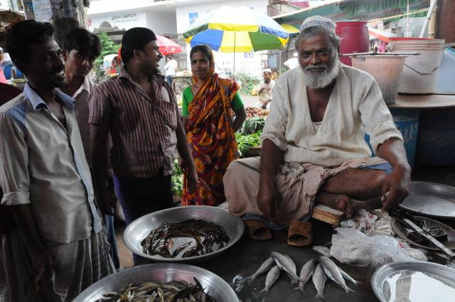 魚売りのオヤジ