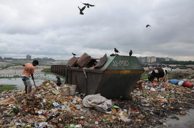 スラムのゴミ捨て場