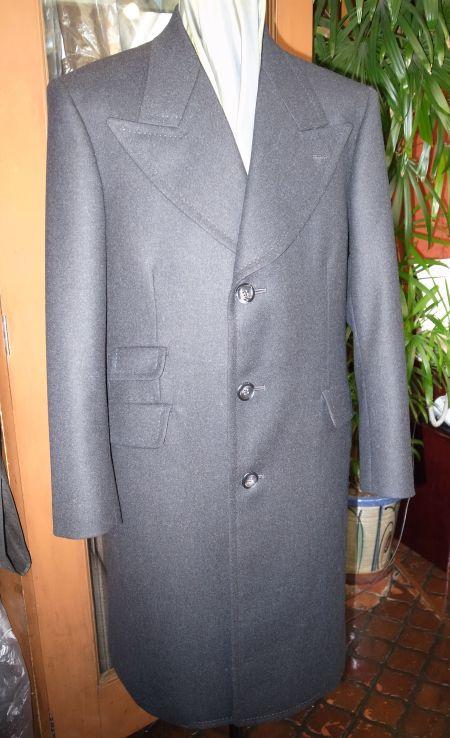 衿幅の広いオーダーコート