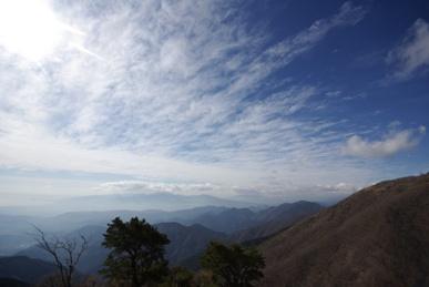 花立から見た青空2