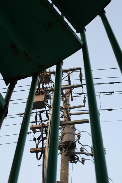 20090501 非常階段と電柱2_R