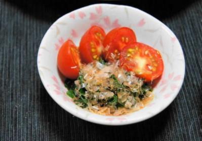 モロヘイヤのお浸し+トマト