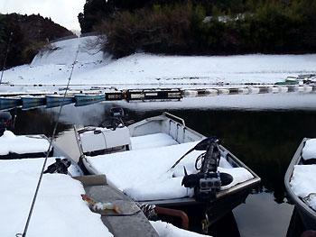 北山湖は…もちろん冬景色