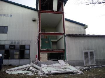 工場 壁崩落 (4)