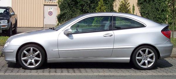 800px-Mercedes_Coupe_Silver_l_convert_20110213100001.jpg