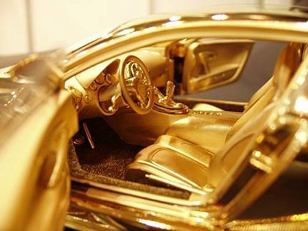 BugattiVeyronmodellino_02.jpg