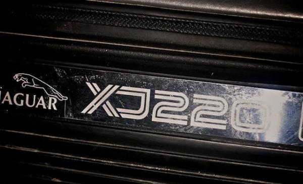 JaguarXJ220Qatar6_convert_20100407173440.jpg