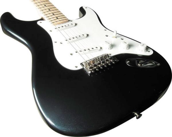 guitartech02clapton_l_convert_20101211154640.jpg