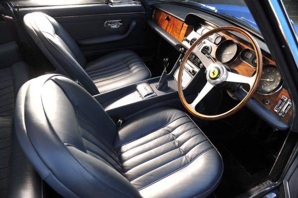 lot-363-interior---1965-ferrari-330-gt-22-coupe-1294664211_convert_20110112112833.jpg