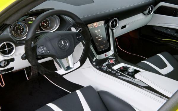 mercedes-benz-sls-amg-e-cell-prototype-cockpit_convert_20100702122122.jpg