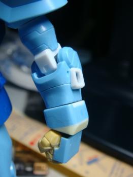 左腕マウントラッチ改修後
