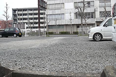 今は駐車場に♪