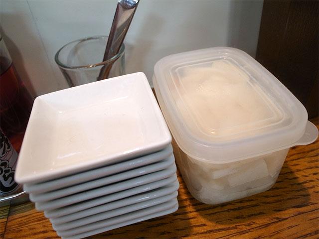 130908三竹寿-漬物と取り皿