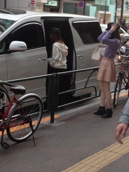 板野友美 島崎遥香 買い物