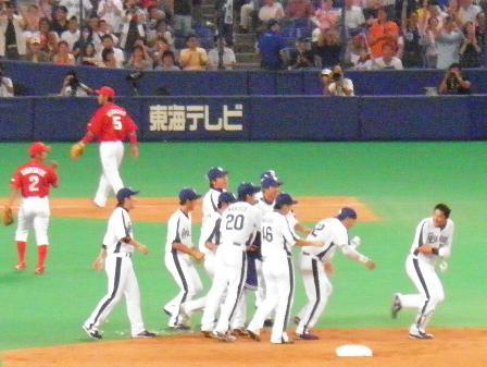 2010.8.15 森野選手9