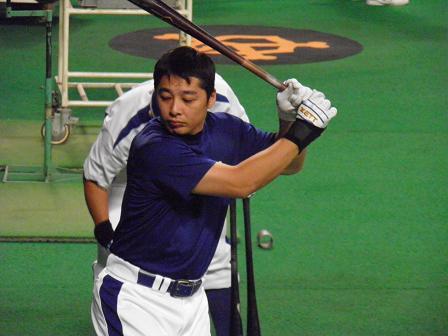 打撃練習の森野選手