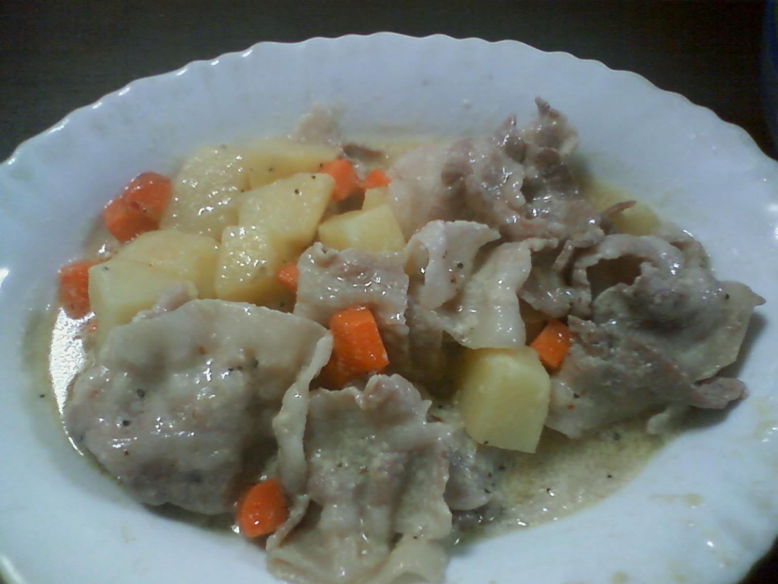ジャガイモと豚肉のミルク煮…なんてね♪
