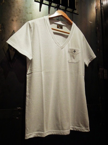 SOUTH ROAD CLASSIC REGULAR V-NECK Tee (1)