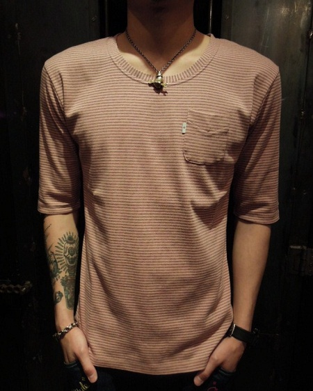 SOUTH ROAD FRAISE BORDER U-NECK Tee