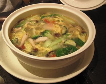 野菜入りスープ