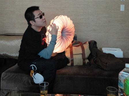 おもむろにランプを手に取り