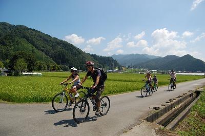 夏のサイクリング風景
