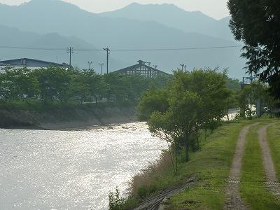 川べりからの景色