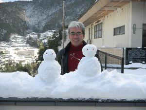 雪だるまとともに・・・