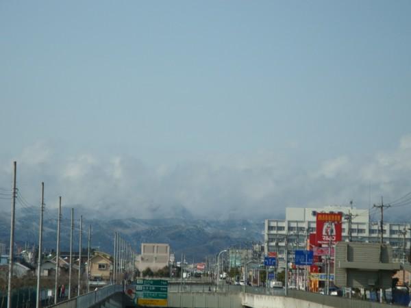 雲に包まれた、山々。
