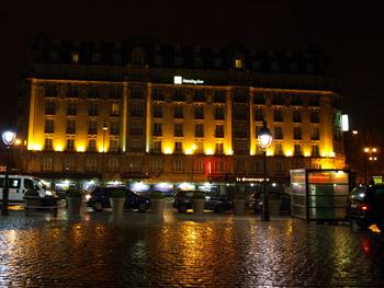 パリ東駅前
