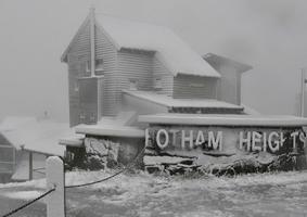 au-snow-1.jpg