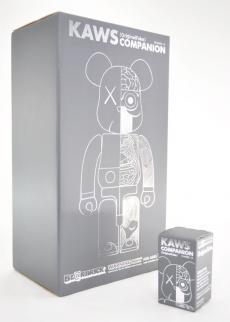 kaws-ofcom-gry-bear-01.jpg