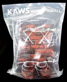 kawswonderwall-01.jpg