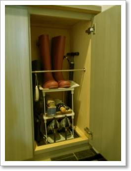 「帯びに短し襷に長し」の玄関収納  下駄箱収納 シューズボックス収納