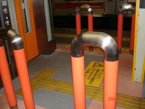 東急東横線自由が丘駅上りホームエレベーター用柵1