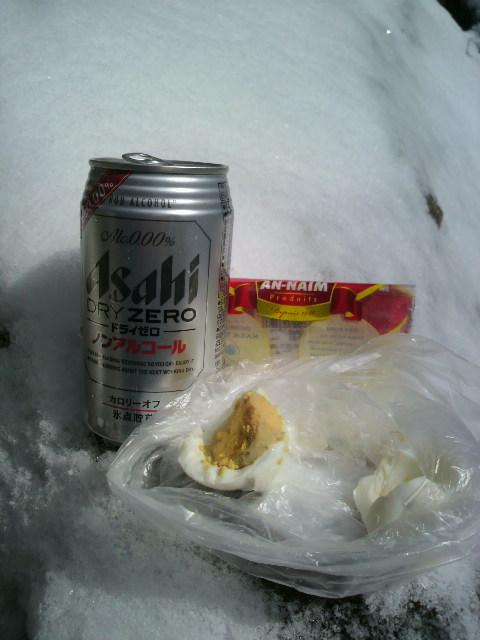 山の燃料はノンアルコールと茹で卵それにナッツなり
