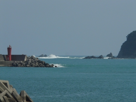 太平洋と灯台 2