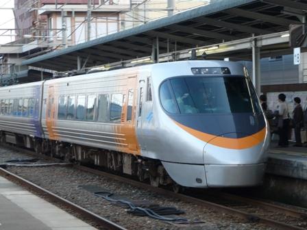 8000系特急電車 2