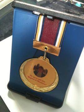 追いコンでもらった金メダル