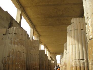 エジプト旅行:ジェセルのピラミッド複合体②