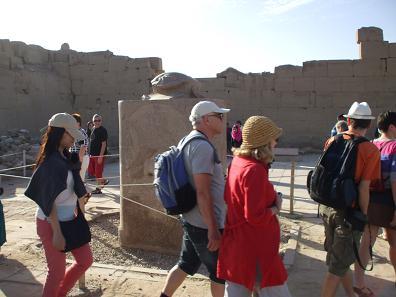 エジプト旅行:カルナック神殿 スカラベ像②