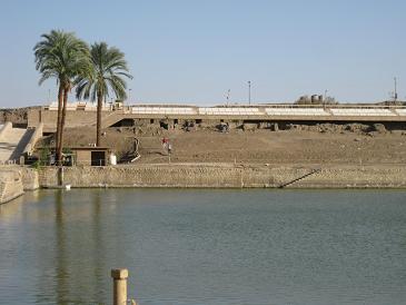 エジプト旅行:カルナック神殿 聖池