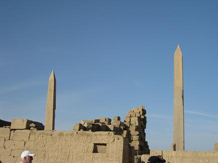 エジプト旅行:カルナック神殿 トトメス1世とハトシェプストのオベリスク