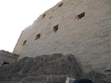 エジプト旅行:カルナック神殿 日干しレンガ