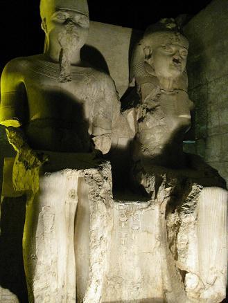 エジプト旅行:ルクソール神殿 ツタンカーメン夫妻