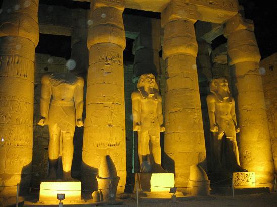 エジプト旅行:ルクソール神殿 ラムセス2世